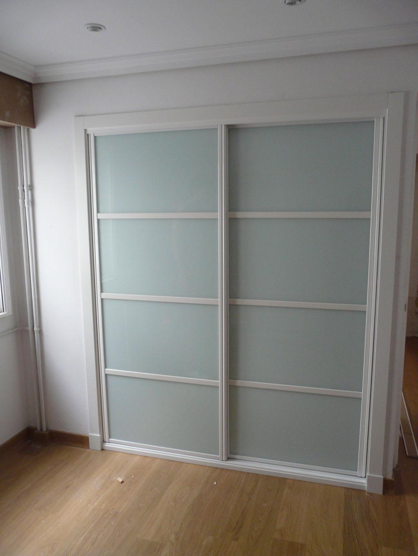 Armario puertas correderas para armarios decoraci n de - Puertas para armarios ikea ...