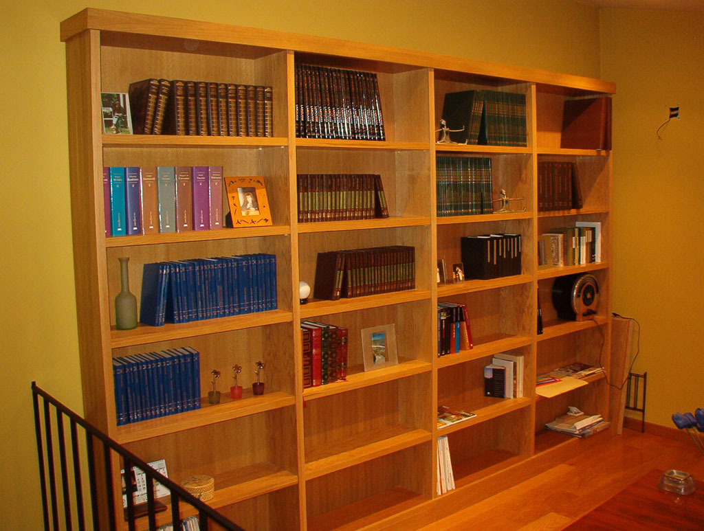 Biblioteca de roble
