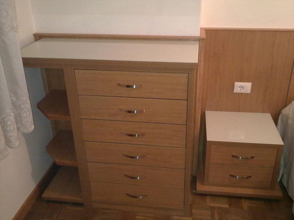 Cabeceros mesillas y escritorios - Cabeceros en blanco ...